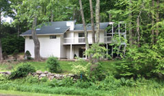 Next-best-to-waterfront-111-east-Hyerdale-dr,-goshen-CT-$389,900